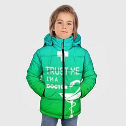 Куртка зимняя для мальчика Trust me, i'm a doctor цвета 3D-черный — фото 2