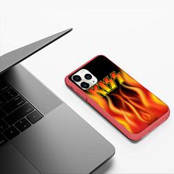 Чехол iPhone 11 Pro матовый KISS цвета 3D-красный — фото 2
