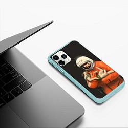 Чехол iPhone 11 Pro матовый Гагарин с лайкой цвета 3D-мятный — фото 2