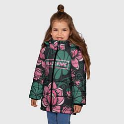 Куртка зимняя для девочки Black Pink: Delicate Flowers цвета 3D-черный — фото 2