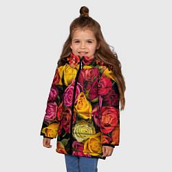 Детская зимняя куртка для девочки с принтом Ассорти из роз, цвет: 3D-черный, артикул: 10067033006065 — фото 2