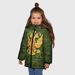Куртка зимняя для девочки Герб на камуфляже цвета 3D-черный — фото 2