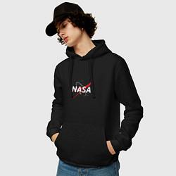 Толстовка-худи хлопковая мужская NASA: Space Arrow цвета черный — фото 2