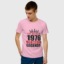 Футболка хлопковая мужская 1976 - рождение легенды цвета светло-розовый — фото 2