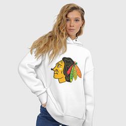 Толстовка оверсайз женская Chicago Blackhawks цвета белый — фото 2