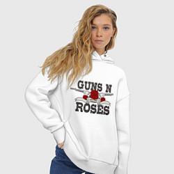 Толстовка оверсайз женская Guns n Roses: rock'n'roll цвета белый — фото 2