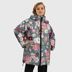 Женская зимняя 3D-куртка с капюшоном с принтом Цветочки, цвет: 3D-черный, артикул: 10096493306071 — фото 2