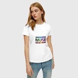 Футболка хлопковая женская Muse Colour цвета белый — фото 2